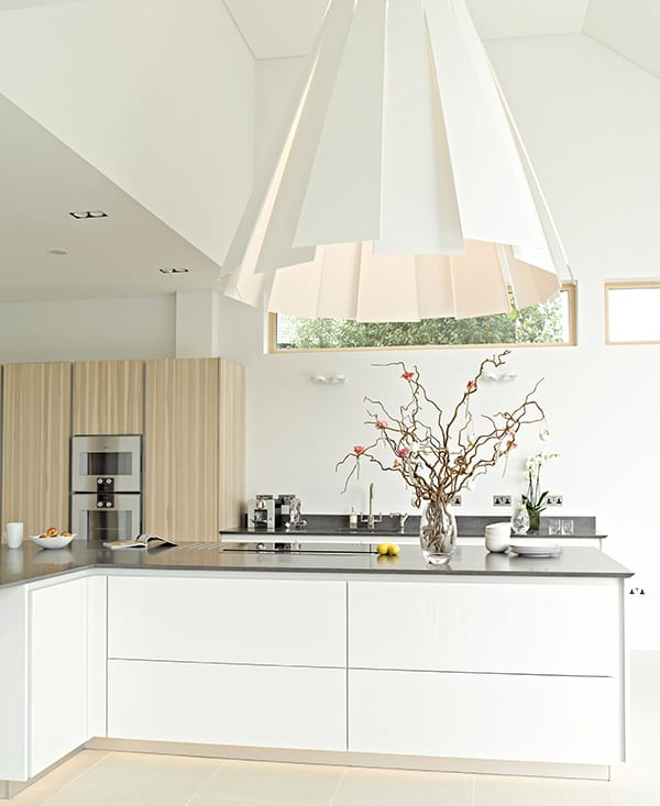Modern luxury kitchen from Searle & Taylor