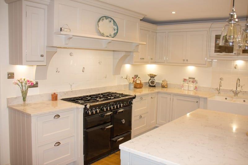 Quartz kitchen worktop used throughout this Hampshire kitchen